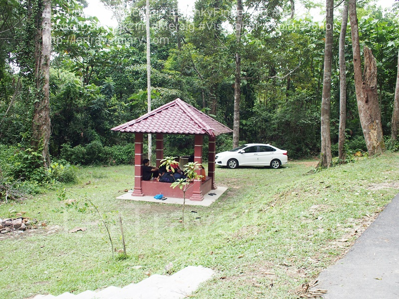 5) You will see the base camp. Park your car near the resting hut.