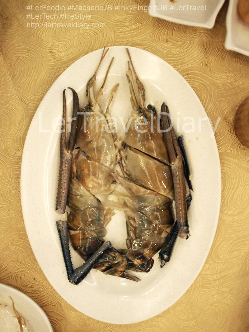 Galak Prawn / River Prawn RM11.00 - RM13.00 per 100gram. The price is seasonal too